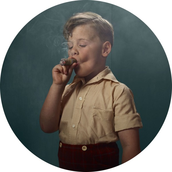 © Frieke Janssens, Smoking kids