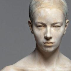Hyper-realistische beeldhouwwerken, uit hout… Ontdek het werk van Bruno Walpoth!