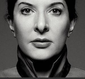 """Walk through walls"", dè autobiografie van Marina Abramovic"