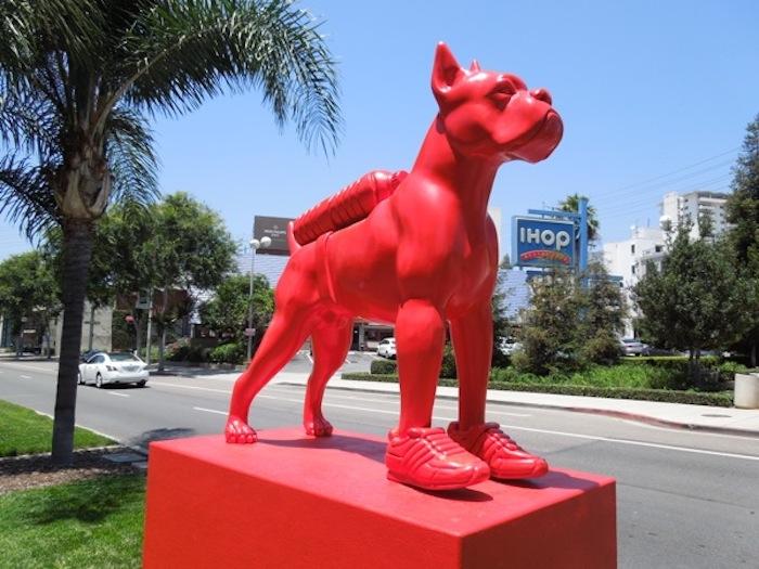 sweetlove-red-bulldog-statue