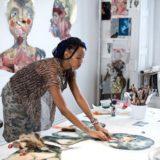 Het belang van de studio voor een kunstenaar, een leerrijke reportage over Wangechi Mutu