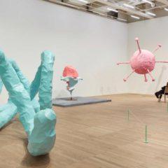 Franz West, een belangrijke retrospectieve van de kunstenaar bij Tate Modern, Londen