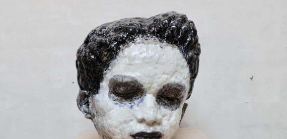 Maen Florin, de solide stem van breekbare beelden