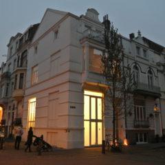 Salon Blanc en de kracht van het moment. Een speciale kunstplek in Oostende
