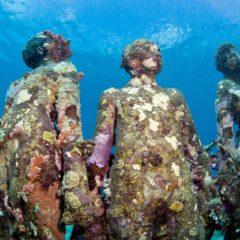 De onderwatersculpturen van Jason deCaires Tayler, nog fascinerender na een paar jaar