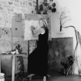 Artist in residence in Zuid-Frankrijk: Ine Lammers op zoek naar essentie in haar nieuwe reeks 'Le sable du temps'